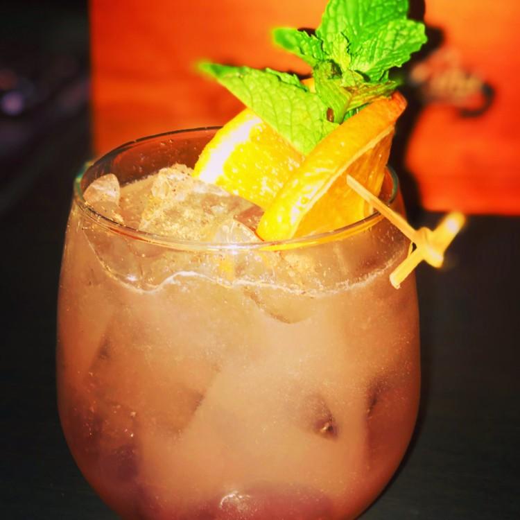 Happy Hour Vibe Bar Maui - Kihei, HI
