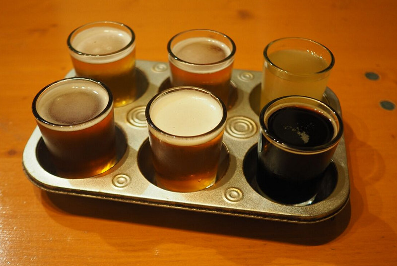 Craft Beer Flights at Maui Brew - Maui Happy Hours