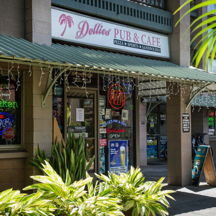 happy hour dollies lahaina kanaha maui hawaii