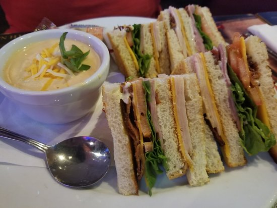 sandwich and soup from dollies sports bar maui - maui happy hours