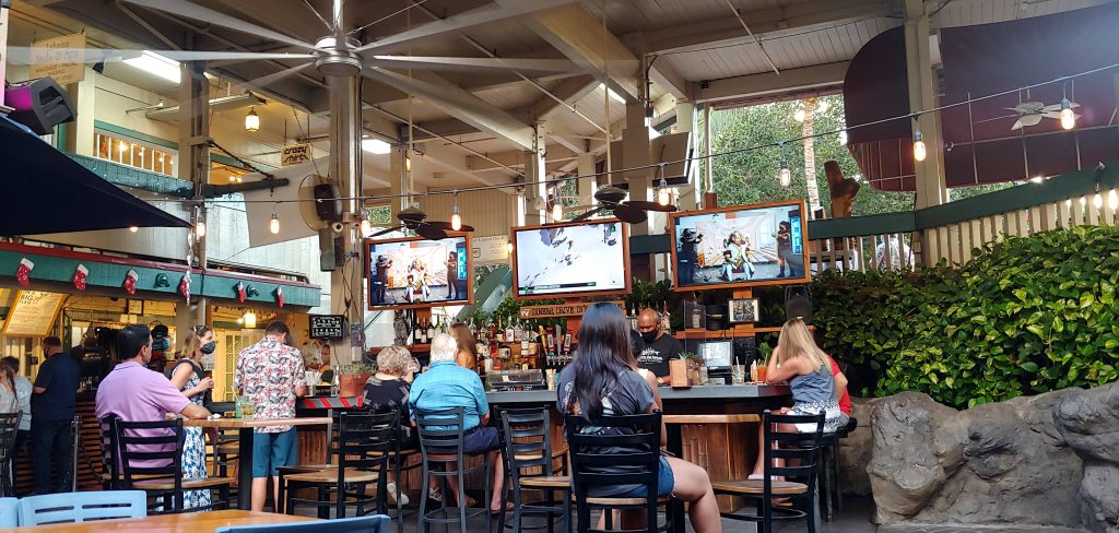 Happy Hours in Lahaina - Down the Hatch