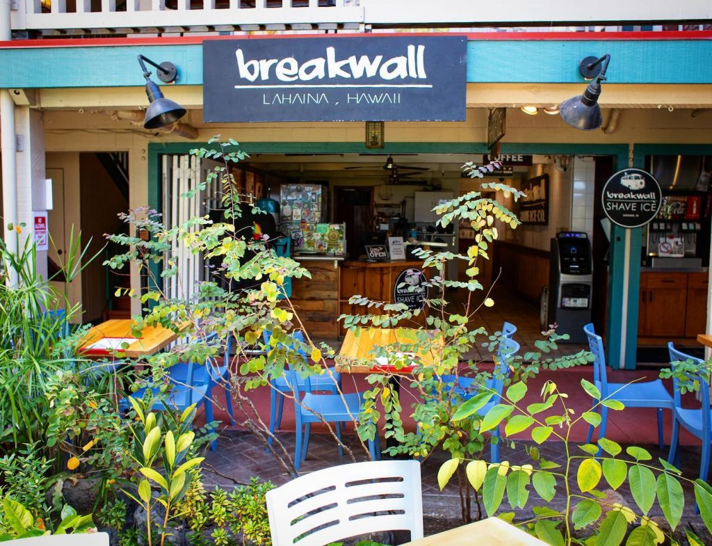 Breakwall Shave Ice Co Lahaina Maui Hawaii - restaurants with outdoor seating 2021