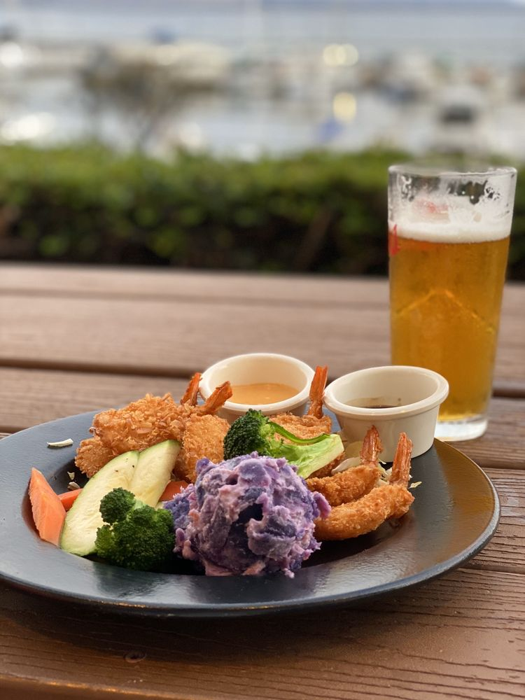 Tantes Maui Happy Hour Coconut Shrimp and Draft Beer