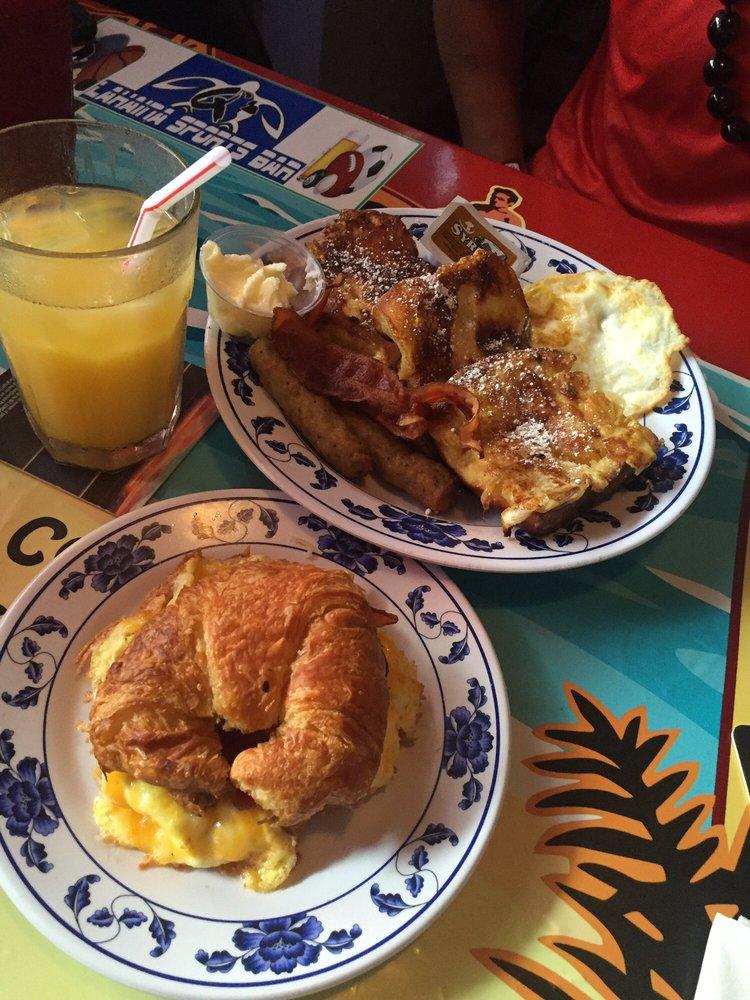 Breakfast Lahaina Sports Bar