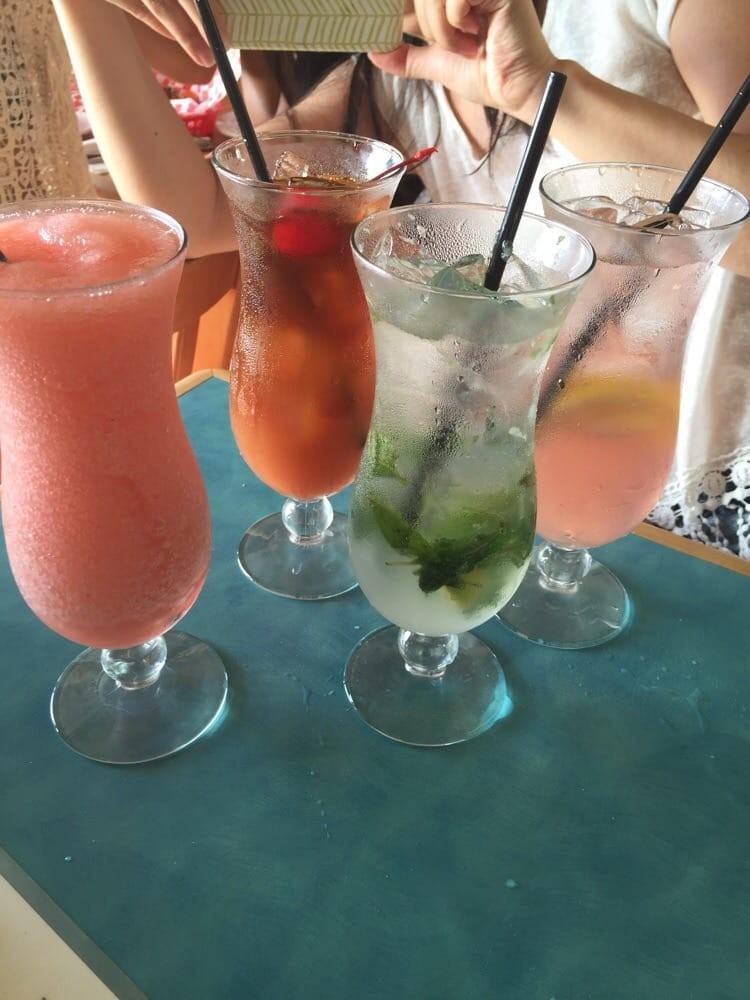Happy hour at Betty's Beach Cafe in Lahaina, Maui, Hawaii