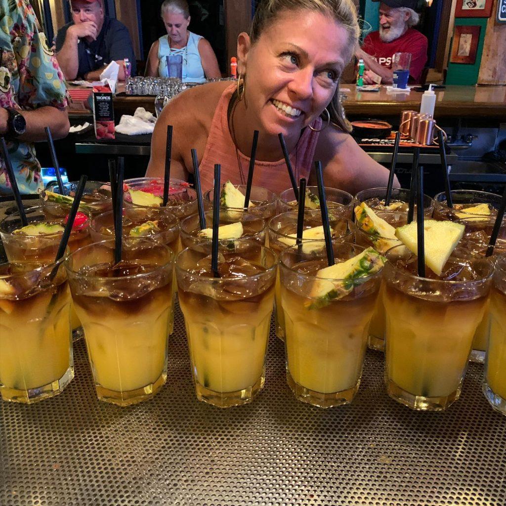 Maui bartender makes lots of Mai Tais