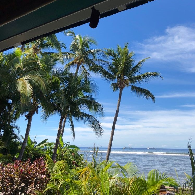 Bettys-Beach-Cafe-Happy-Hour-Specials
