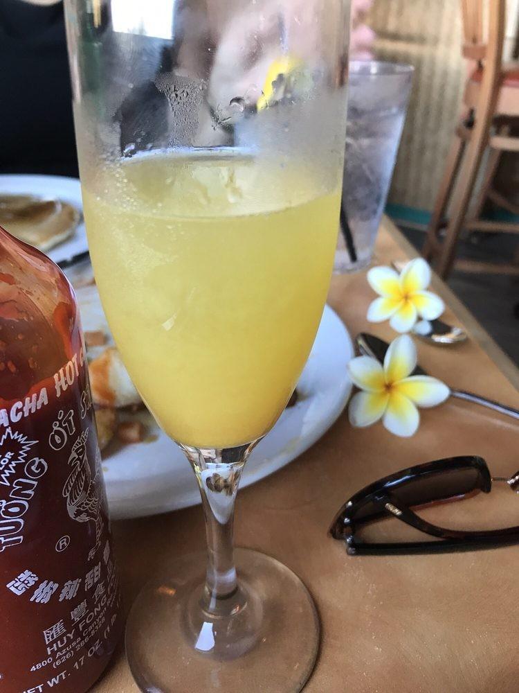 Happy hour mimosas - Betty's brunch Lahaina Maui
