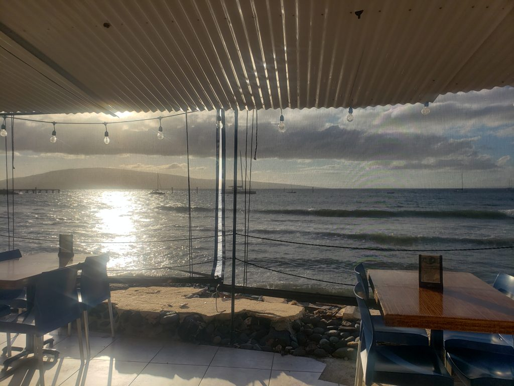 Happy Hour Maui Sunset View - Ocean Front Restaurants in Lahaina Hawaii