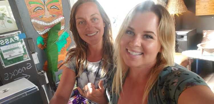 Beautiful smile from maui happy hours ladies