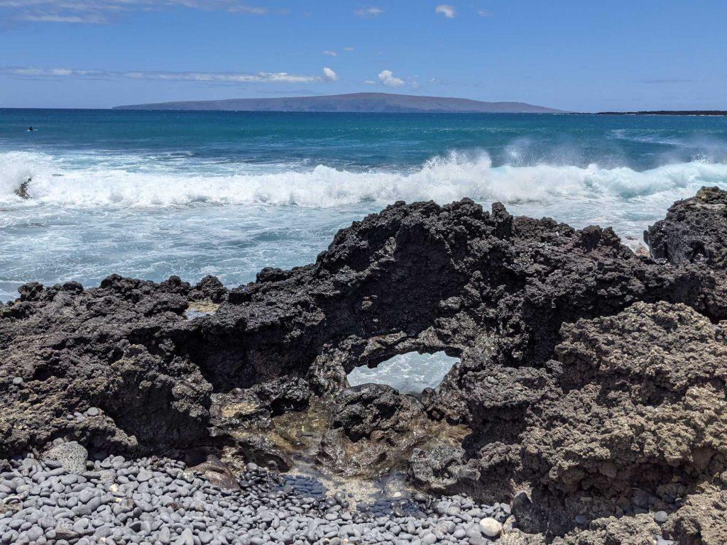 Lava rock arch at La Perouse Maui