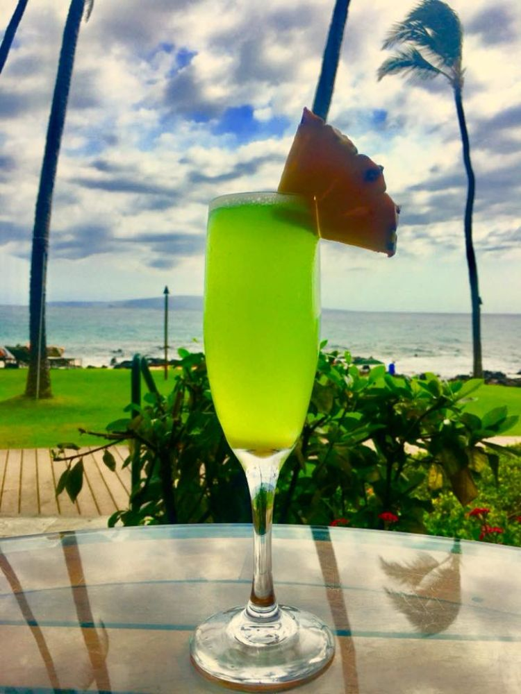Mermaid Mimosa cocktail at 5 palms happy hour restaurant