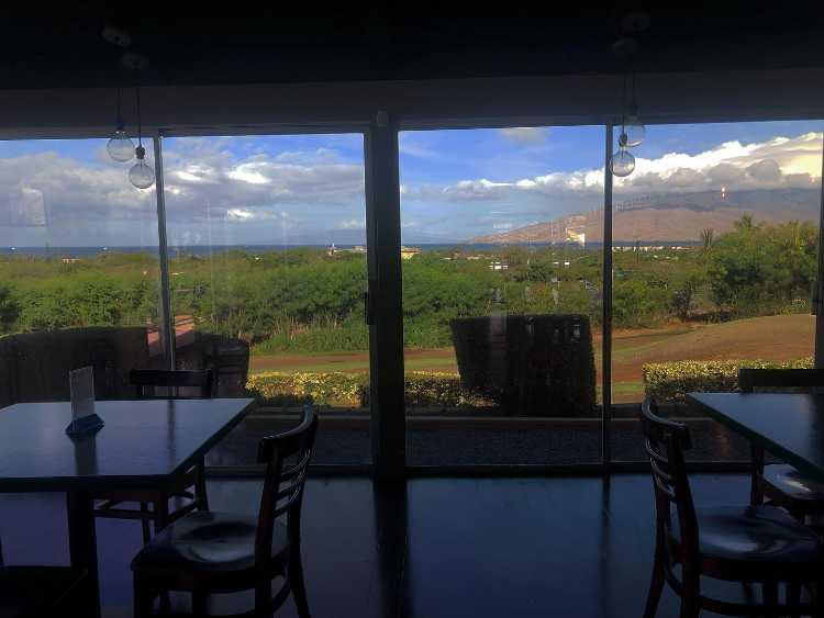 Gilligans Maui ocean view restaurant