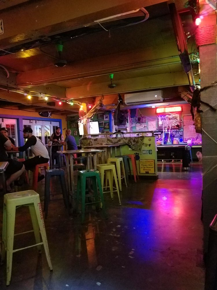 What is the happy hour at Spankys Lahaina Maui