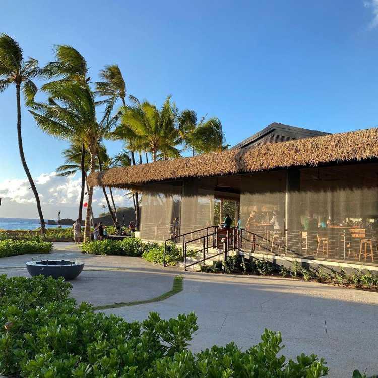Huihui Happy Hour Maui Restaurant
