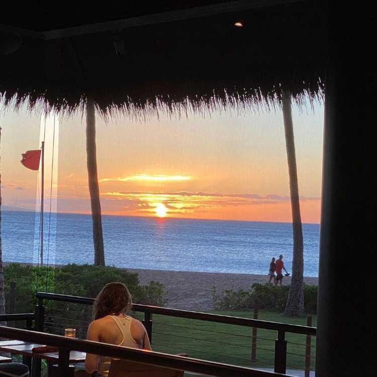 Huihui Happy Hour Maui Restaurant Ocean View Sunset dining